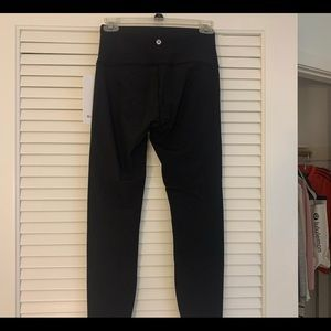BRAND NEW WITH TAGS LULULEMON LEGGINGS